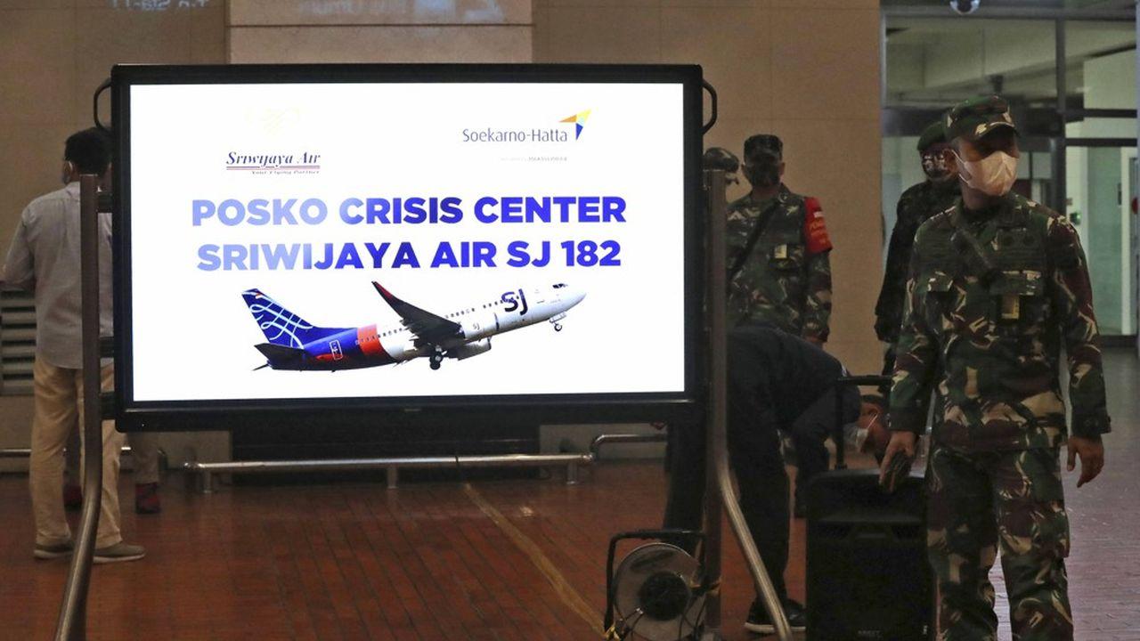 Une cellule de crise a été ouverte à l'aéroport d'où a décollé l'avion.