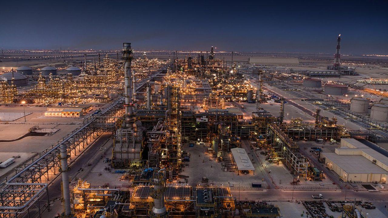 Raffinerie à Jubail, en Arabie saoudite. Technip Energies est un spécialiste de l'ingénierie parapétrolière: conception et construction de plateformes pétrolières, de sites de production de gaz liquéfié, de raffineries ou encore d'usines pétrochimiques.