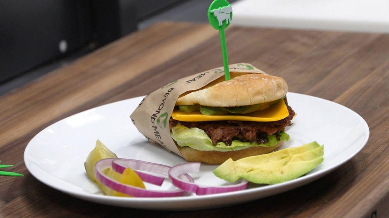 Les consommateurs français qui ont goûté le burger de Beyond Meat, le roi américain de la viande sans viande, sont de plus en plus nombreux à en reprendre.
