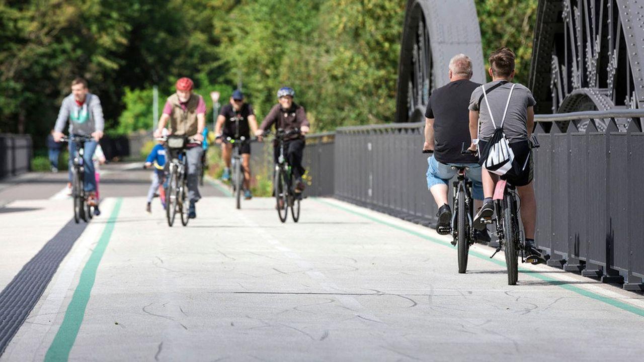 Le projet d'autoroute pour vélos le plus avancé d'Allemagne traverse la Ruhr, ici sur le pont de Mülheim.