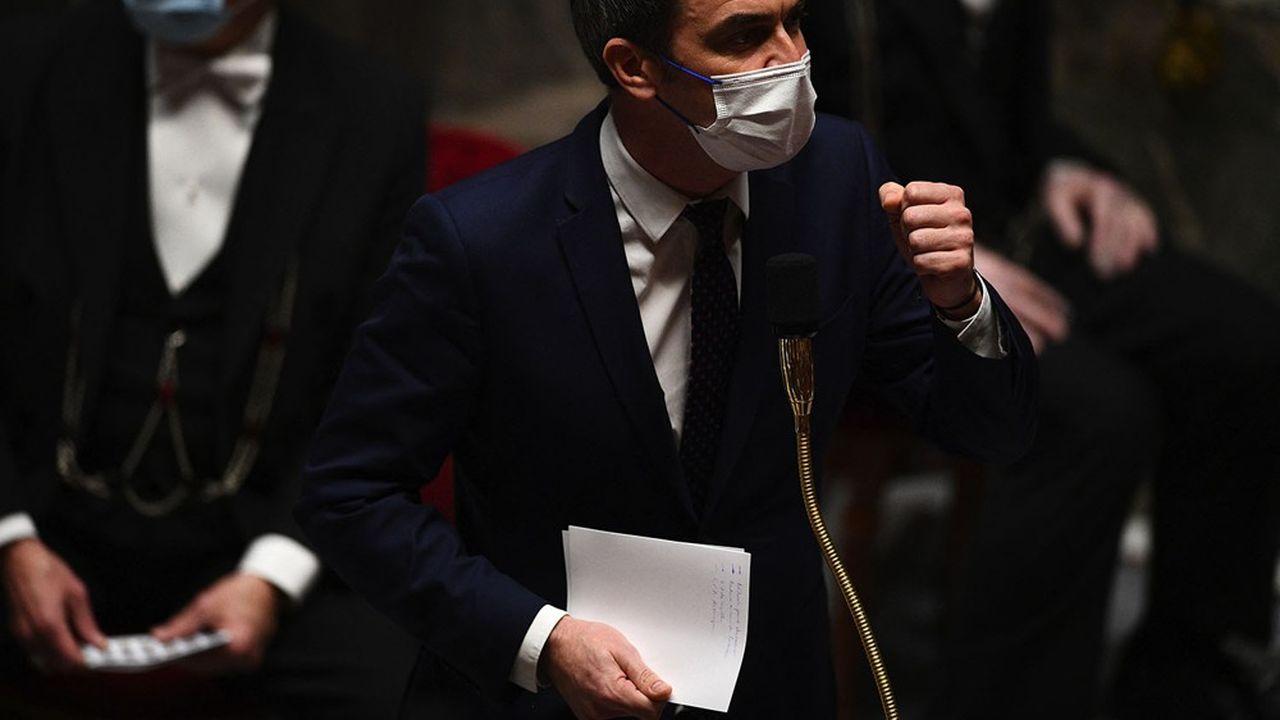 Olivier Véran a été pris pour cible ce mardi par les oppositions.