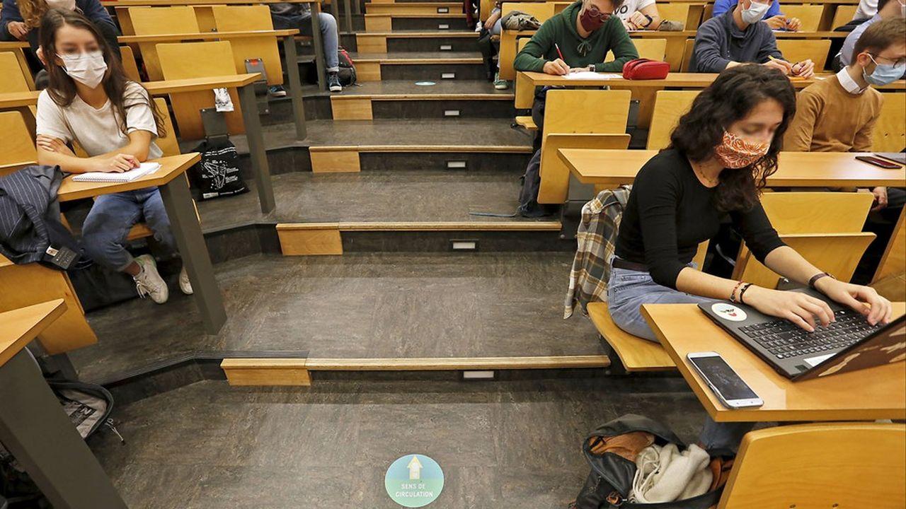 Le Premier ministre a promis «des annonces» rapides pour les étudiants qui paient «un lourd tribut».