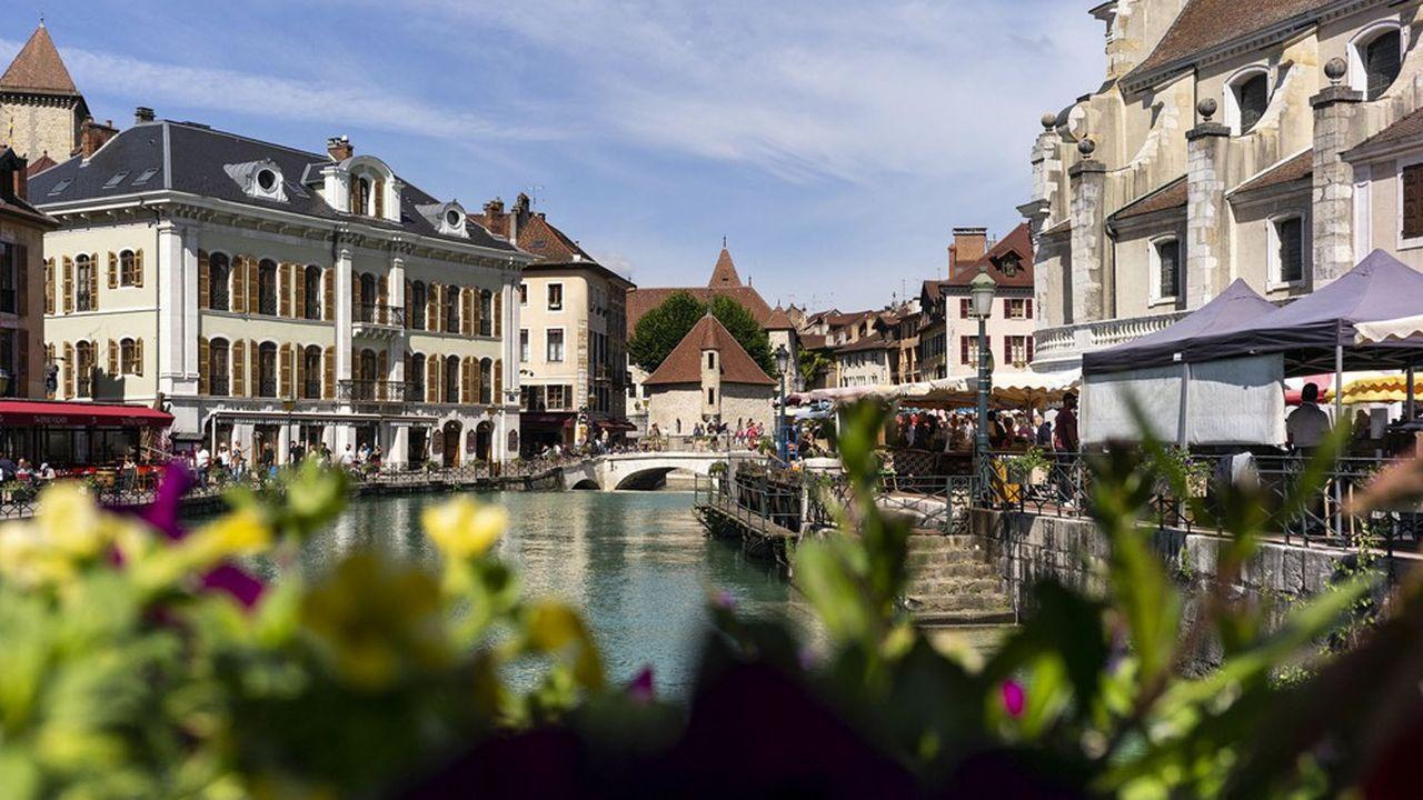 Les villes moyennes (ici Annecy) ont déjà bénéficié en 2020 de la recherche par les Français d'un meilleur cadre de vie.