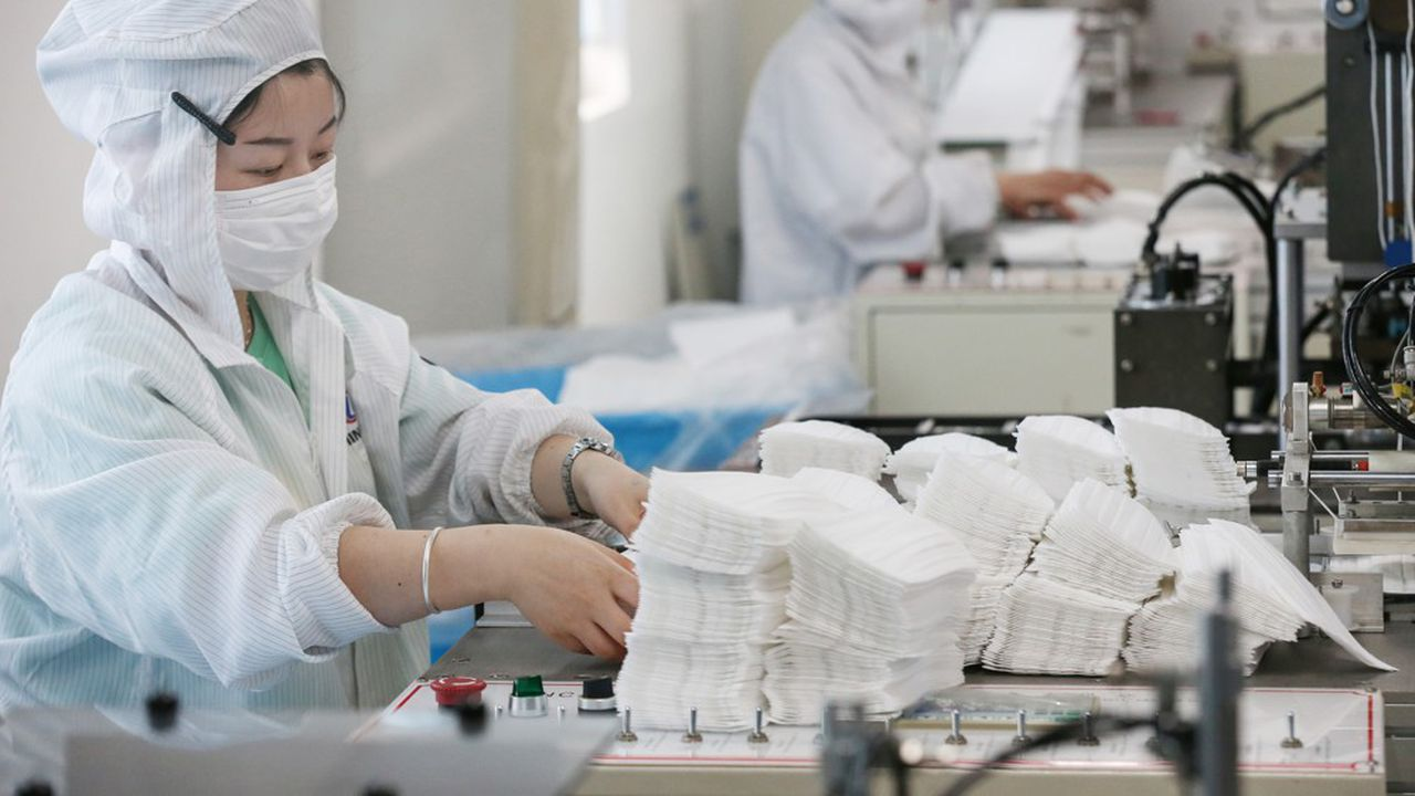 Avec un bond de 18,1% en rythme annuel en décembre, les exportations chinoises ont progressé de 3,6% en 2020 (photo: dans une usine de masques anti-Covid).