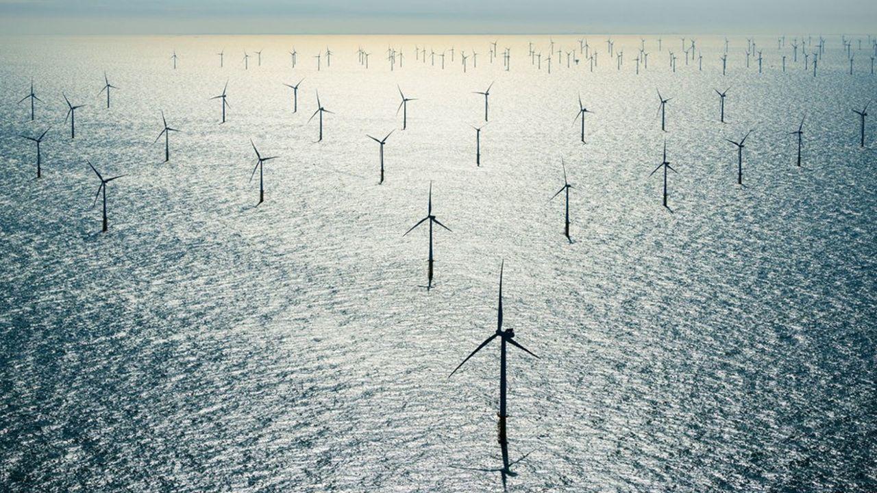 La technologie de l'éolien flottant offshore permet de placer à moindres coûts une éolienne en haute mer.