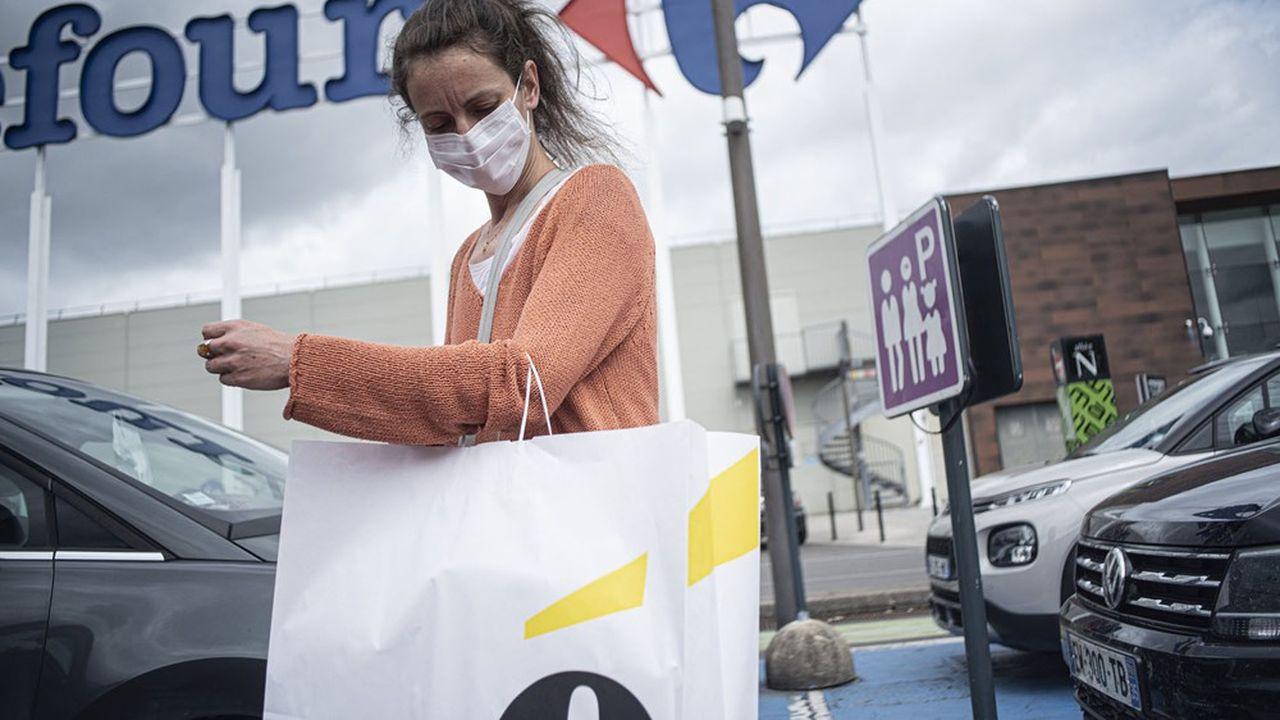 Les partisans d'un éventuel rapprochement entre Carrefour et le canadien Couche-Tard réfutent l'argument de la souveraineté alimentaire.