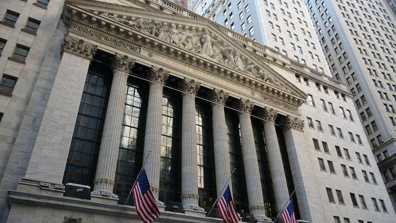 Une foule de produits financiers ont pour vocation de répliquer l'indice S & P 500.
