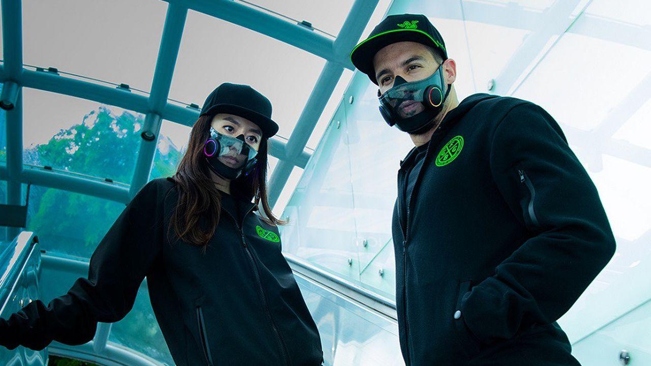 Razer a dévoilé un prototype de masque intelligent doté d'une façade transparente et de micros intégrés pour améliorer la voix.