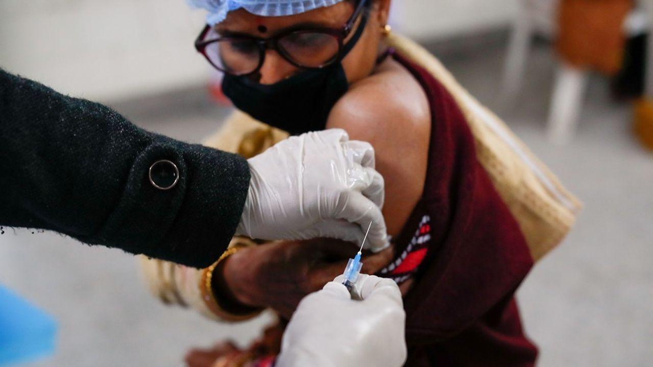 Le coup d'envoi de la campagne de vaccination massive en Inde, l'une des plus importantes au monde, sera donné ce samedi.