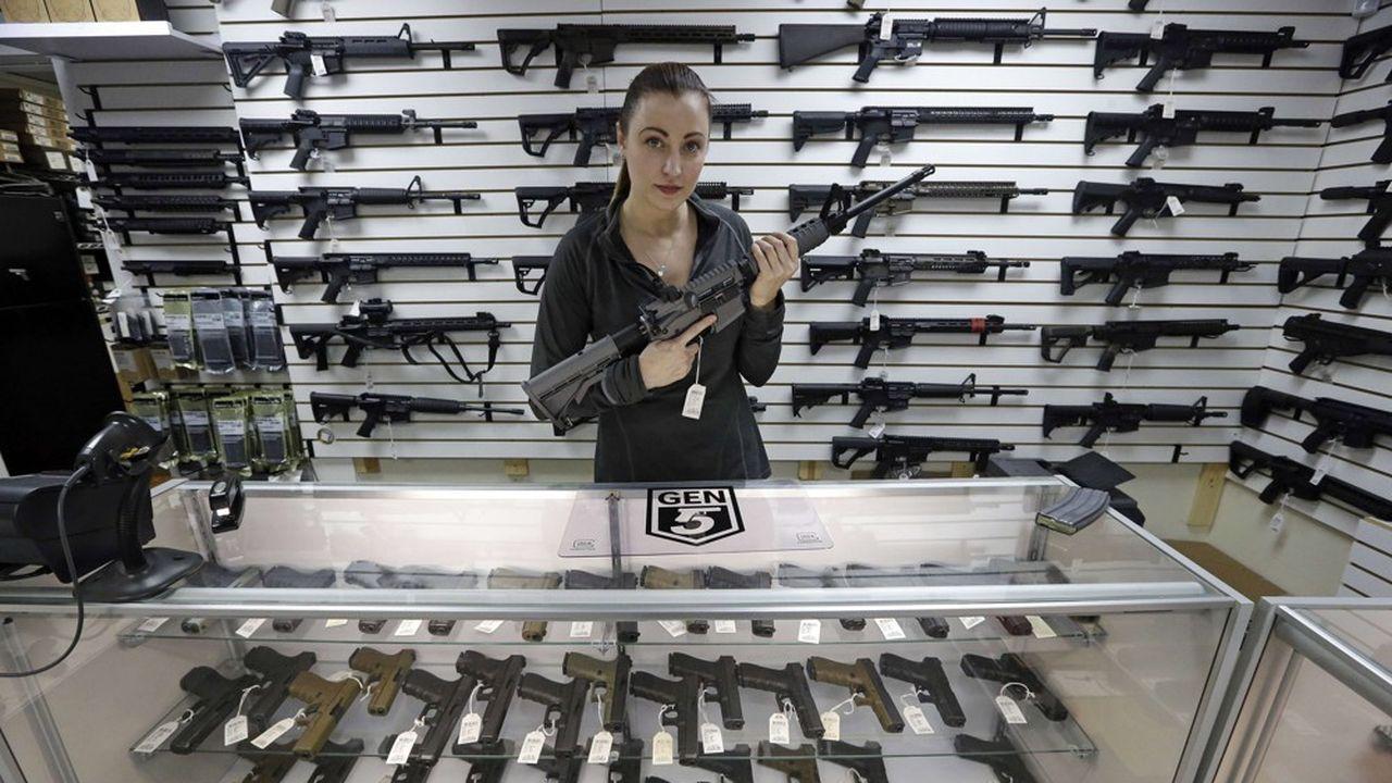Conséquences des émeutes raciales, de la pandémie et des violences autour de l'élection présidentielle, les ventes d'armes à feu aux Etats-Unis atteignent des records.