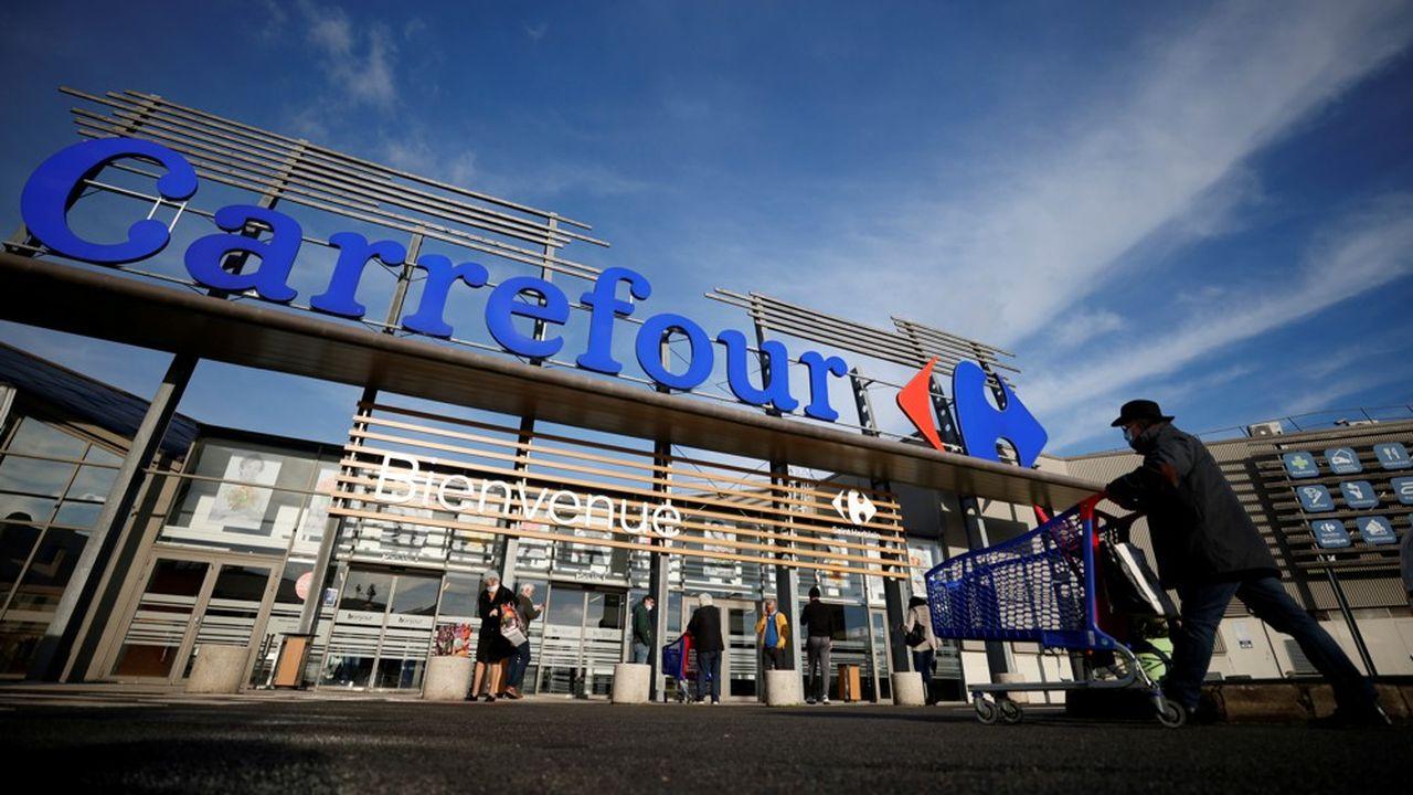 Le groupe canadien Alimentation Couche-Tard avait présenté un plan pour tenter de convaincre du caractère amical de son offre de rachat sur Carrefour, mais sans convaincre le gouvernement.