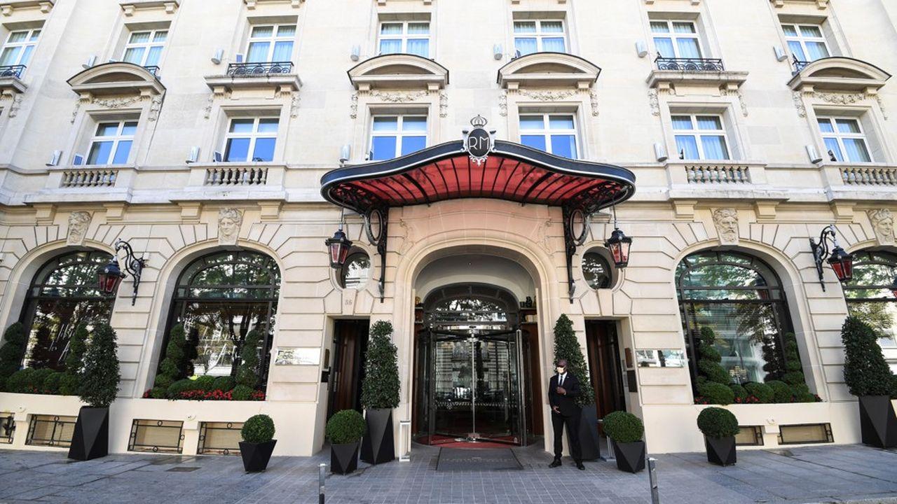 La fermeture des palaces (ci-dessus, le Royal Monceau en août) est symptomatique de la grande panne de l'hôtellerie parisienne en 2020, faute de voyageurs d'affaires et de touristes étrangers.