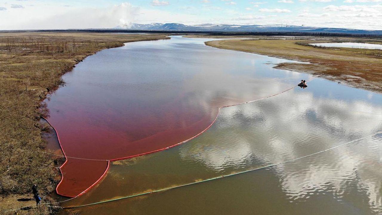 En Arctique, 20.000 tonnes de diesel ont pollué les rivières après l'effondrement d'une réserve de carburant qui alimente la centrale électrique.