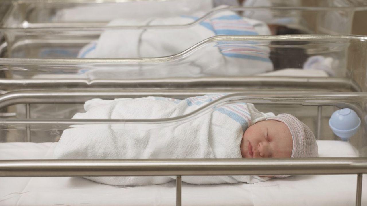 En 2020, 740.000 bébés sont nés en France, soit 13.000 naissances de moins qu'en 2019 et 79.000 de moins qu'en 2014.