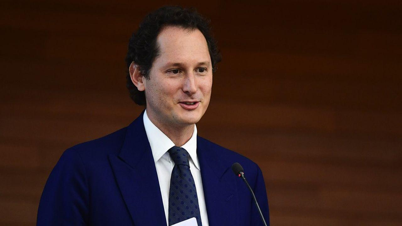 Exor, le holding de la famille Agnelli, présidé par John Elkann, est de loin le premier actionnaire de Stellantis avec 14,4% du capital.
