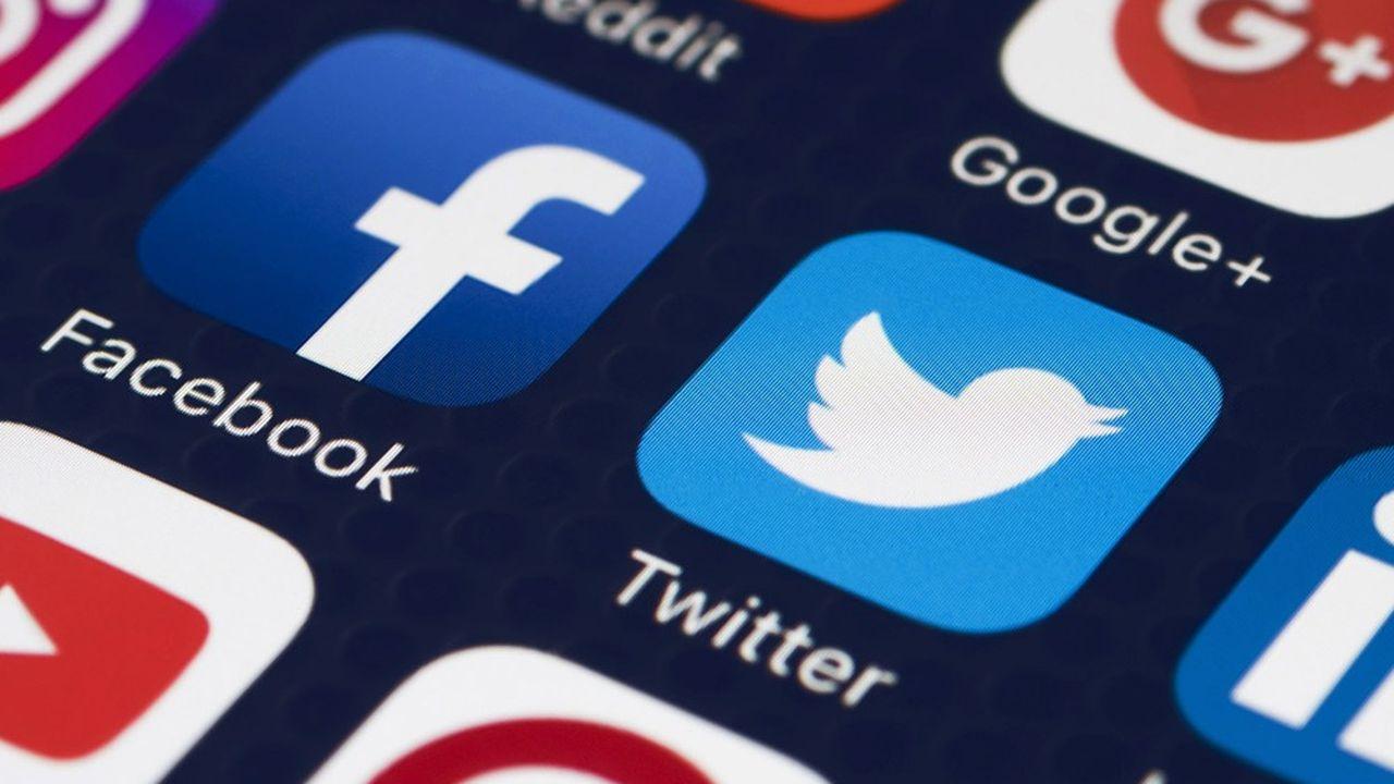 Un amendement à la loi contre le séparatisme propose des mesures pour mieux modérer les contenus haineux sur les réseaux sociaux.