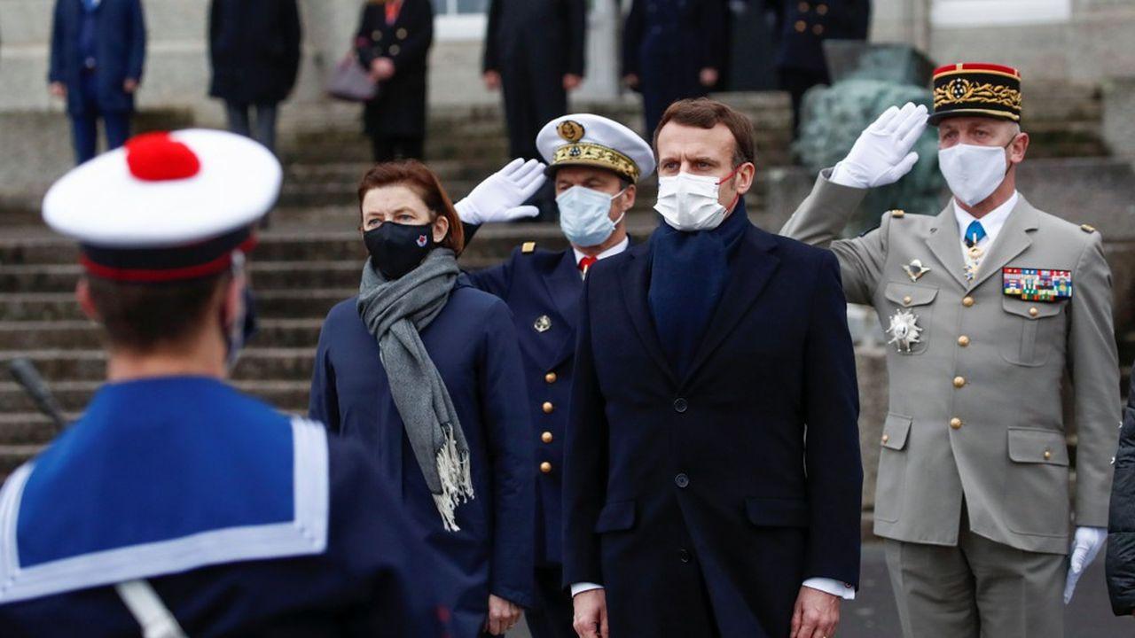 Le président Emmanuel Macron souhaite maintenir l'effort budgétaire promis aux armées dans la loi de programmation militaire, en dépit de la pandémie.