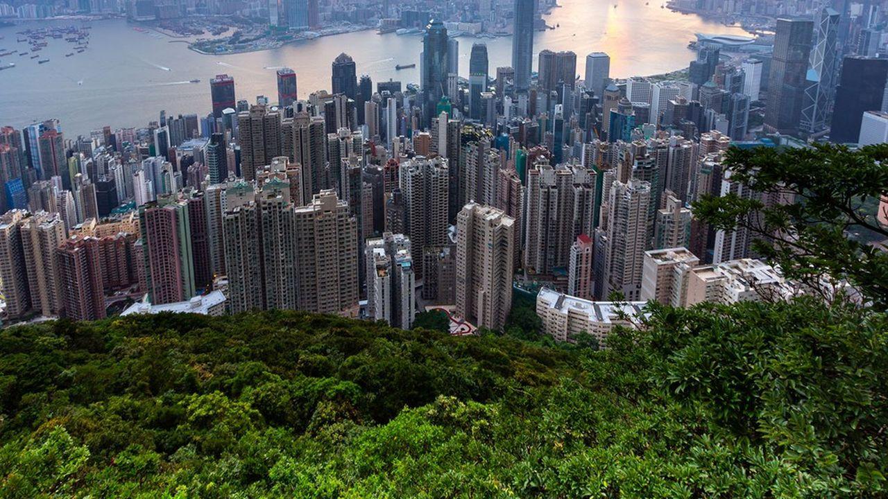 Les investisseurs chinois se sont rués sur la Bourse de Hong Kong, profitant de la décote due au désengagement des investisseurs étrangers.