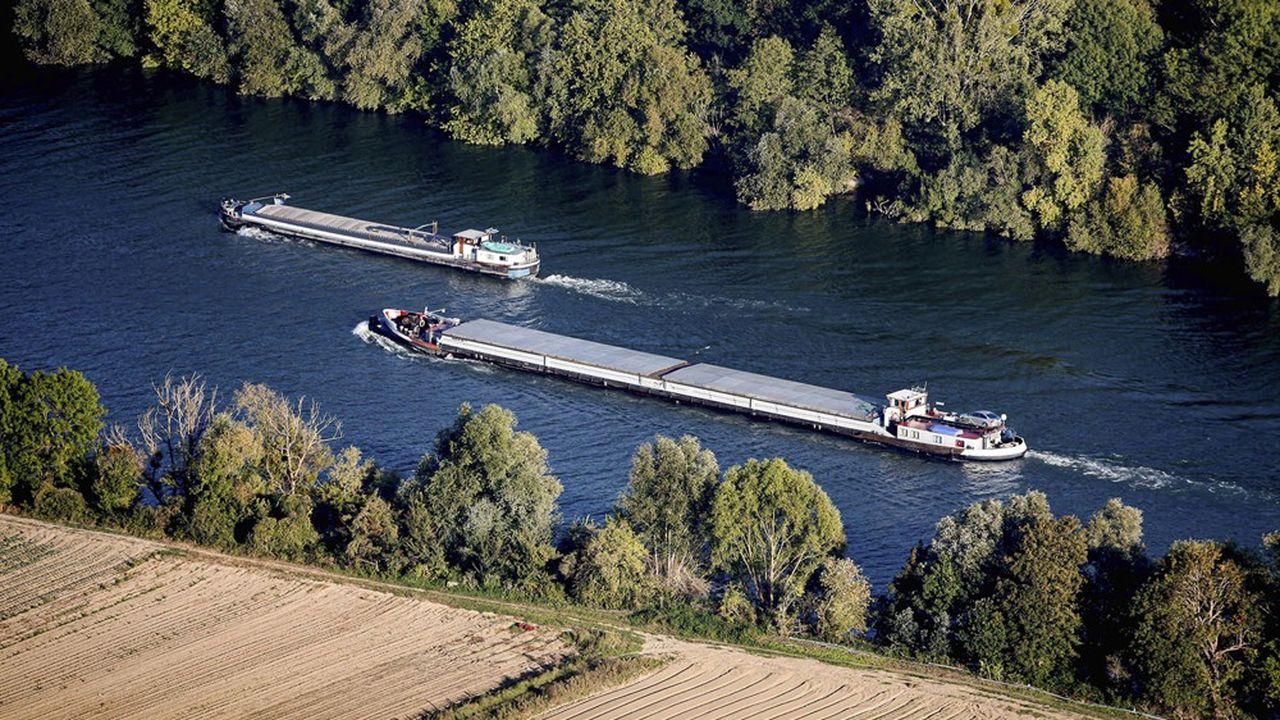 Selon Voies Navigables de France, la Seine pourrait très bien supporter un trafic de marchandises quatrefois supérieur à l'activité de 2019.