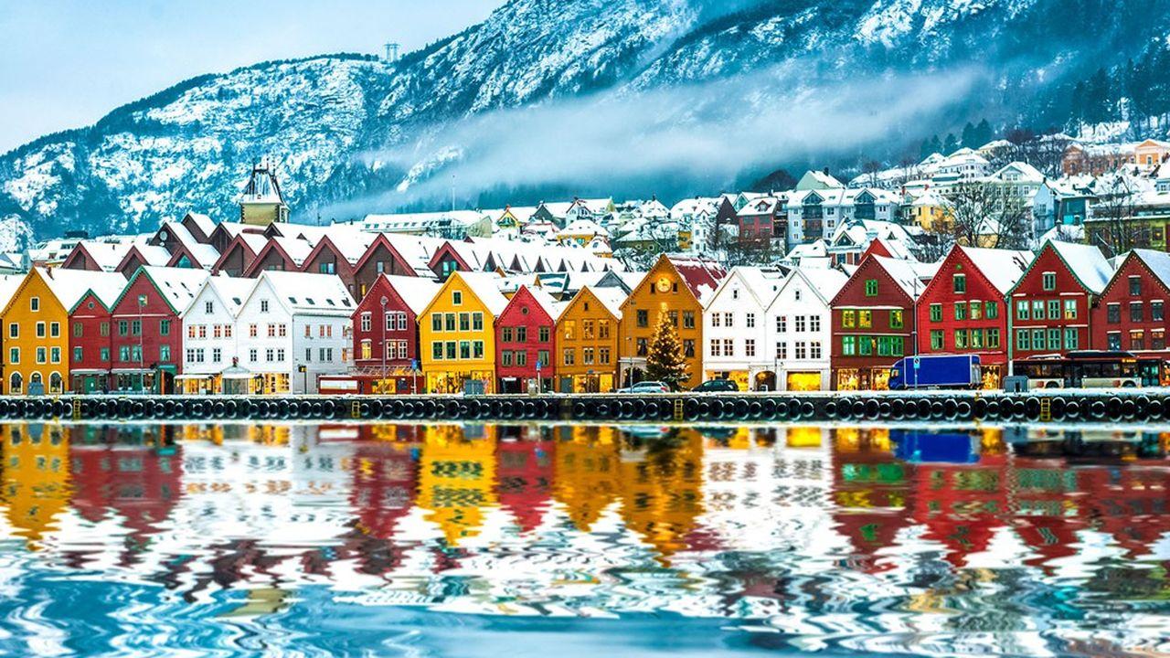 Le plus grand fonds d'investissement étatique, celui de la Norvège gère un portefeuille boursier de 750milliards d'euros, soit 1,5% de la valeur des actions mondiales, investi dans 45 pays