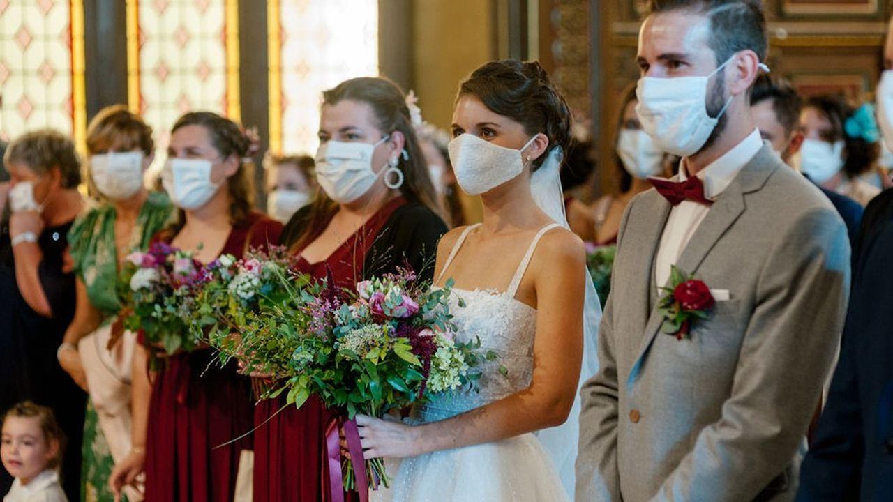 L'an dernier, seuls 28% des mariages ont pu être célébrés, avec de strictes règles sanitaires.