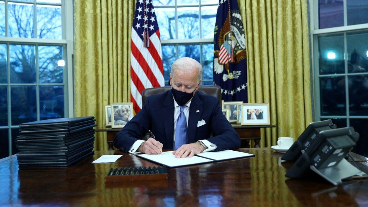 Lutte contre le Covid : Joe Biden prend des mesures fortes dès son investiture | Les Echos