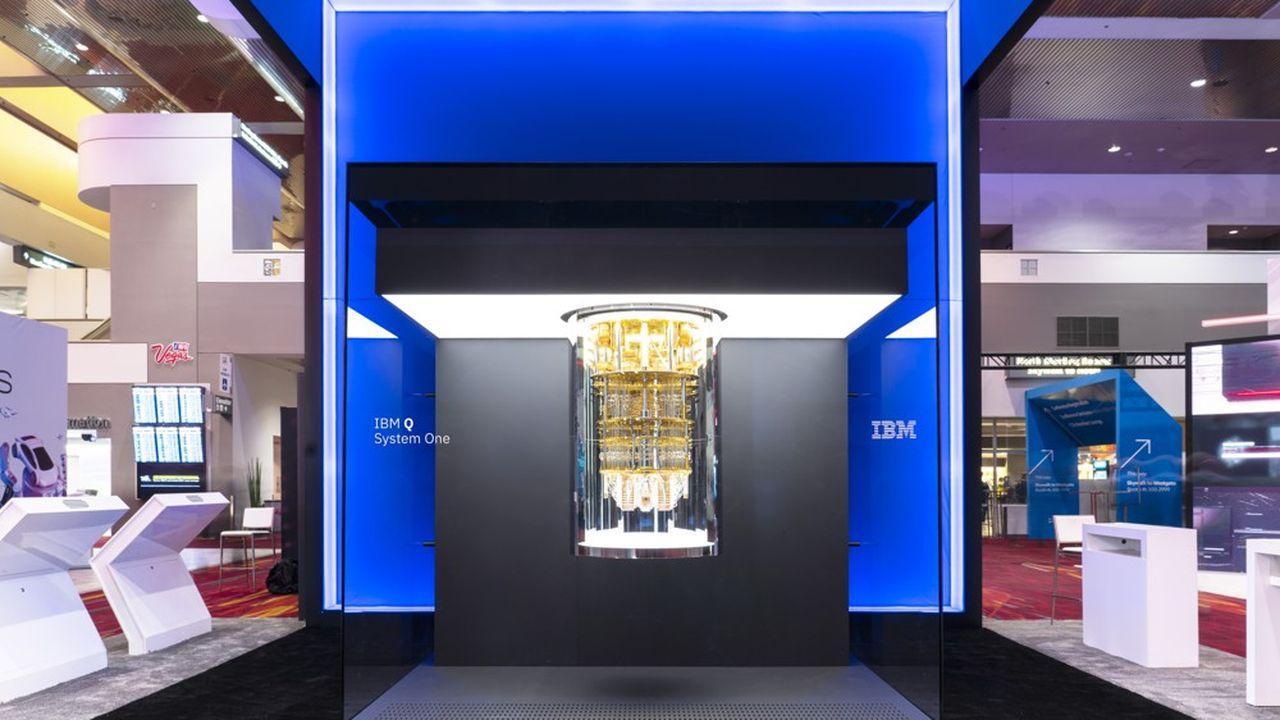 Q System One, l'ordinateur quantique d'IBM présenté au CES de Las Vegas.