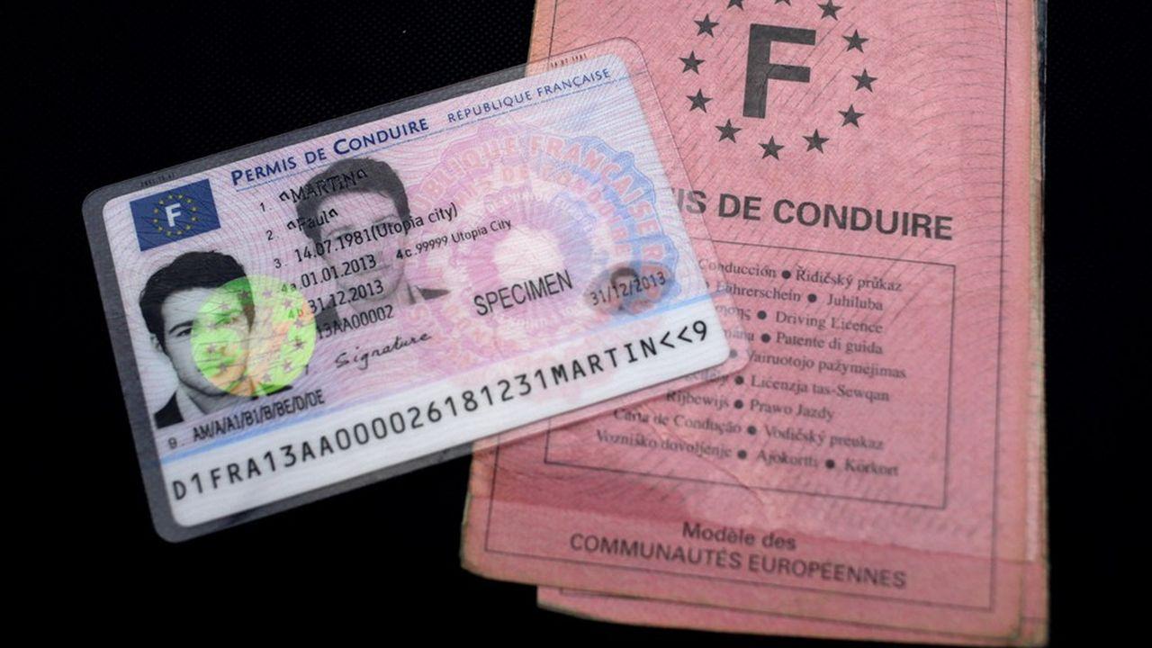 En ce moment, il faut être patient pour passer son permis de conduire.