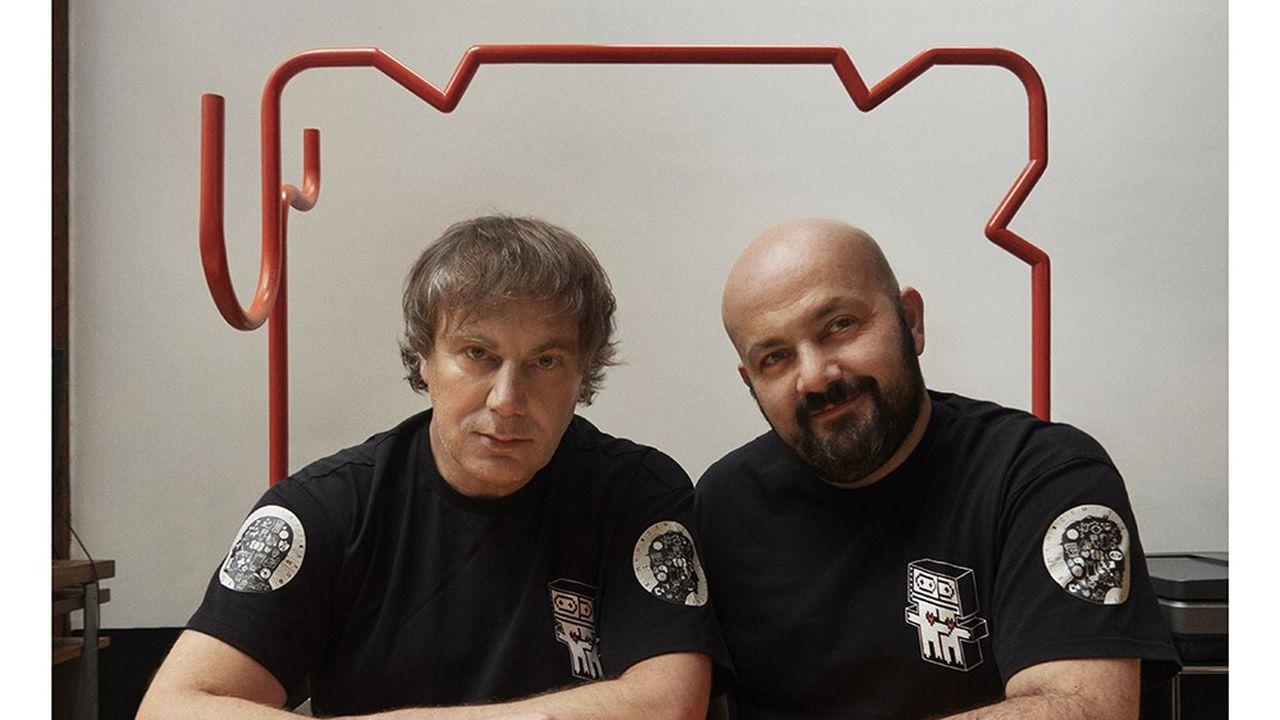 Mathias Augustyniak et Michaël Amzalag photographiés le 13 janvier 2021 par Jean-Baptiste Mondinoà l'Atelier M/M Paris.