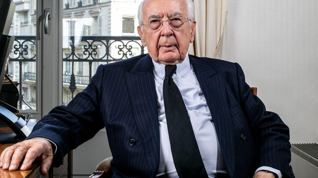 Jacques de La Rosiere, ex-directeur général du FMI, conseiller du President de BNP Paribas, dans son bureau