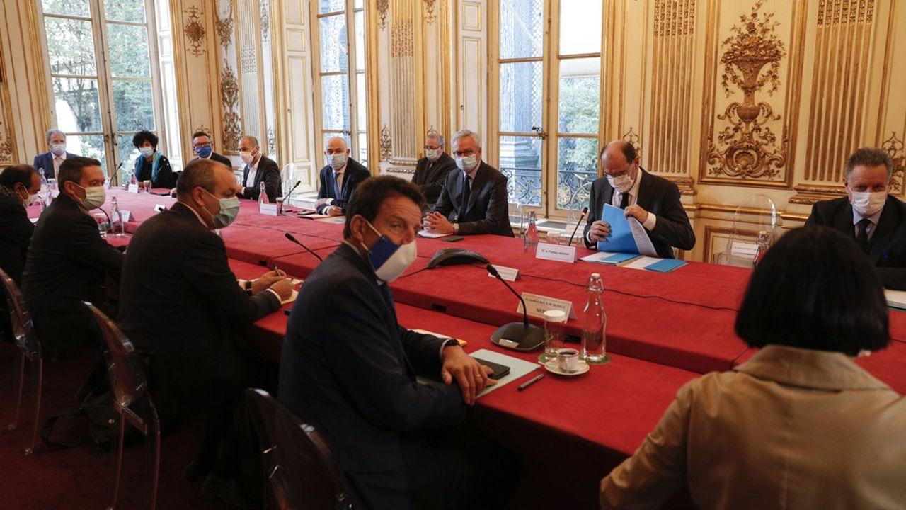 Le Premier ministre, Jean Castex, avec les partenaires sociaux fin octobre lors du deuxième sommet social.