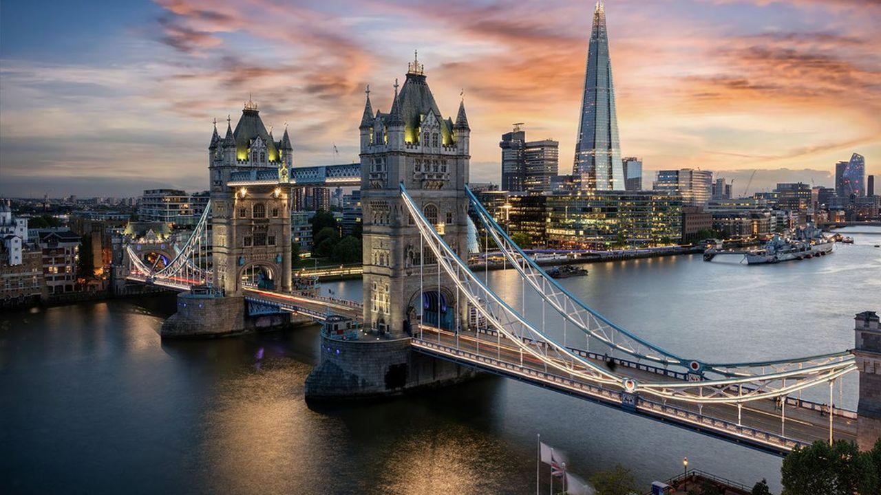 Laissée pour compte durant les négociations sur les relations commerciales post-Brexit entre le Royaume-Uni et l'Union européenne, la City doit se soumettre aux exigences des autorités européennes pour continuer à servir ses clients européens.