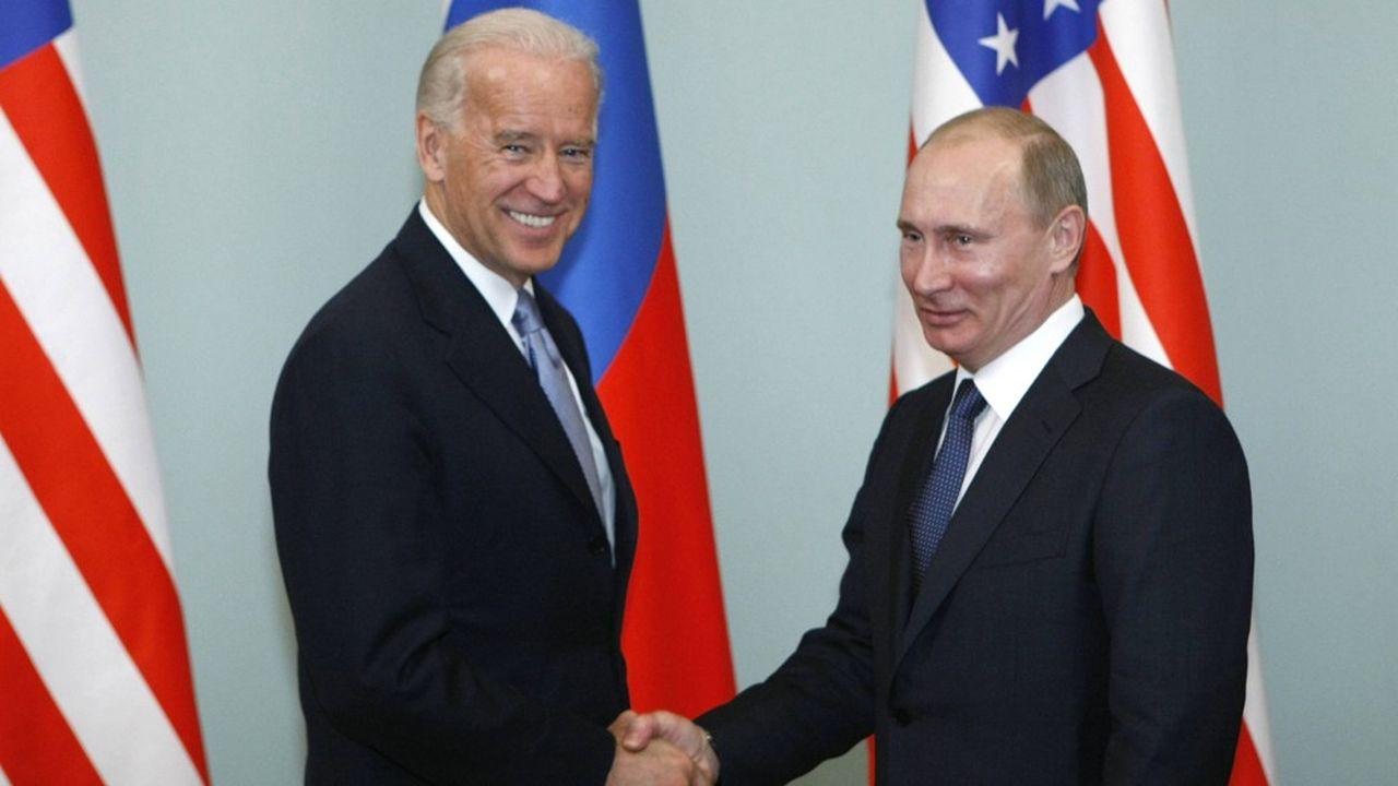 Joe Biden et Vladimir Poutine (ici en 2011) se sont entretenus au téléphone, pour la première fois depuis l'élection du nouveau président américain.