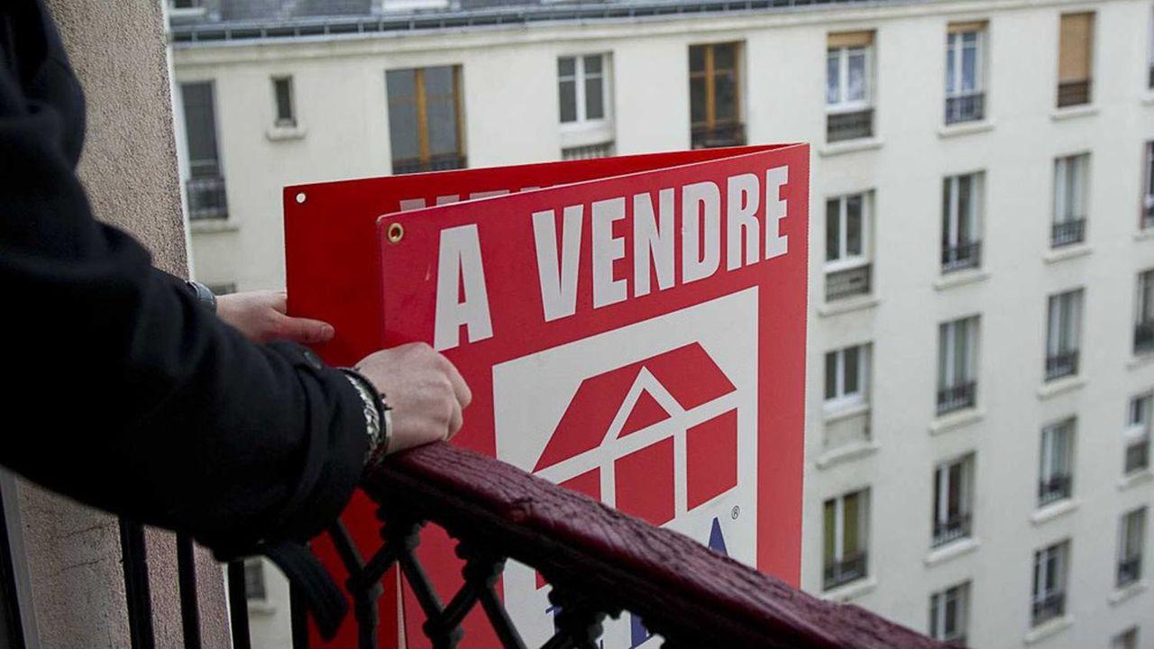Les prix de l'immobilier parisien devraient être en recul de 1,7% sur trois mois, à fin février, selon les notaires.