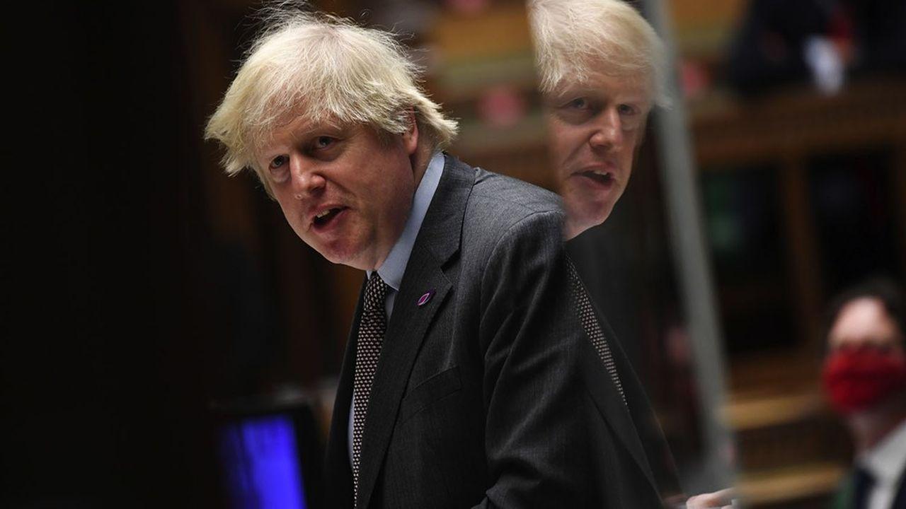 «Nous avons totalement confiance dans nos fournisseurs et dans nos contrats, et nous allons de l'avant sur cette base-là», a dit mercredi Boris Johnson. Une manière de fermer la porte à toute remise en cause du rythme de livraison d'AstraZeneca au Royaume-Uni.
