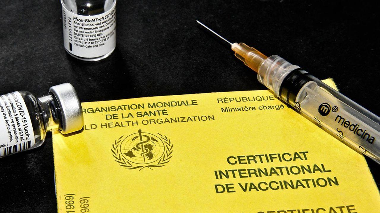 Un certificat international de vaccination contre le Covid-19 de la Republique Francaise.