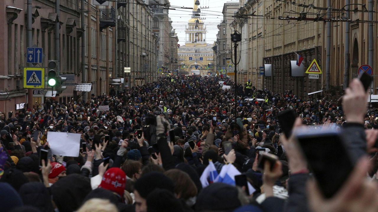 Manifestations pro-Navalny en Russie : plus de 4400 interpellations
