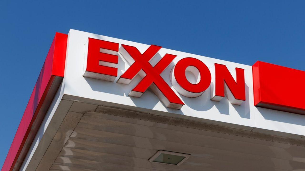 La compagnie pétrolière Exxon Mobil et son concurrent Chevron ont eu des discussions pour envisager une fusion.
