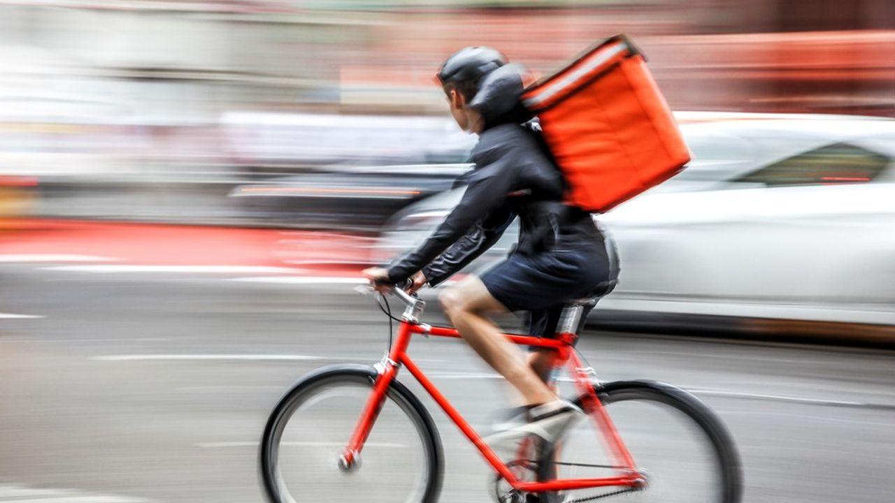 Les coursiers à vélo se sont multipliés dans les grandes villes ces dernières années.