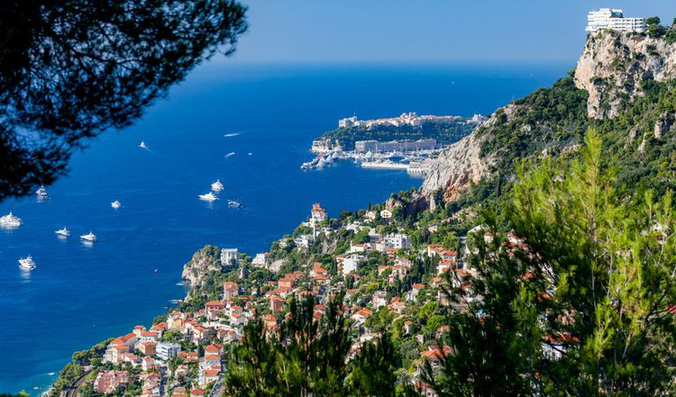 Une propriété à 50millions d'euros entre Cannes et Monaco