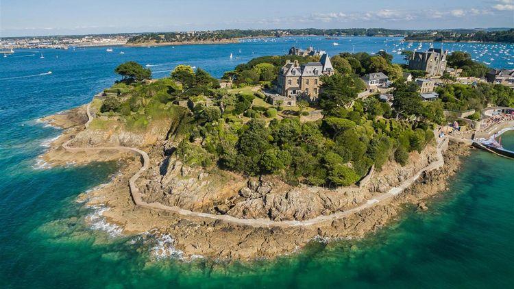 La villa Saint Germain à Dinardvendue 10millions d'euros.