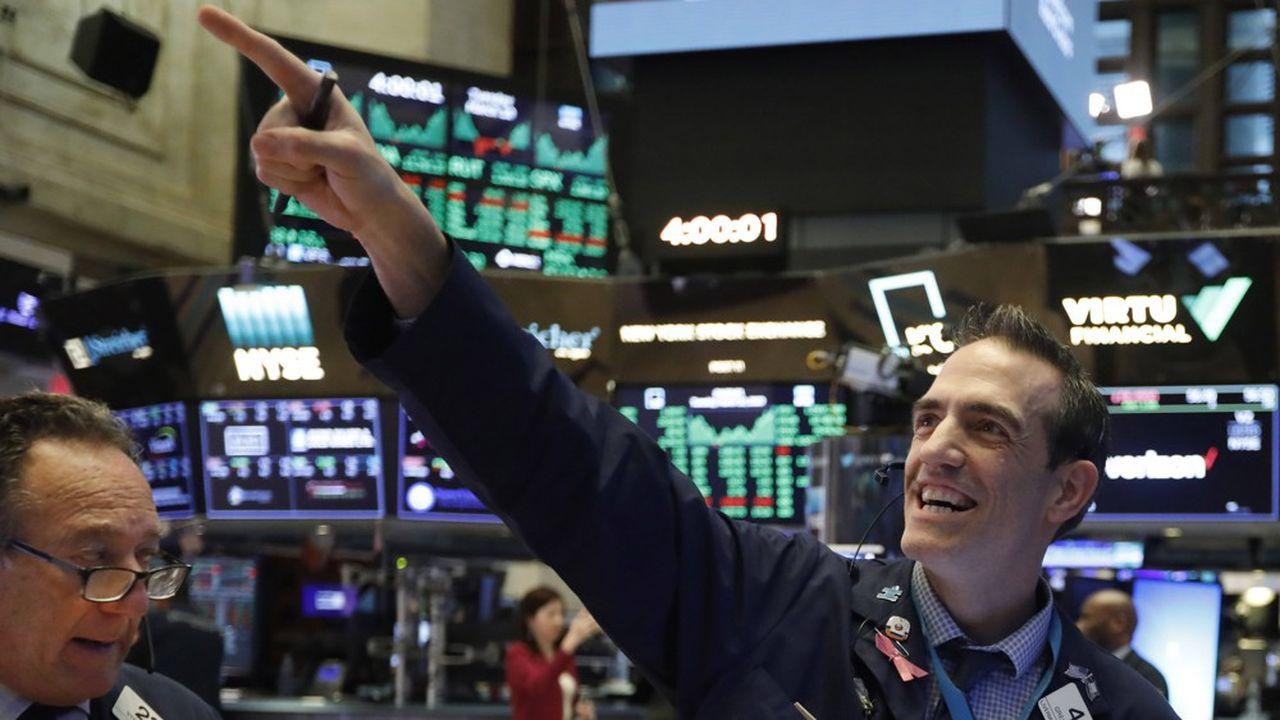 Wall Street a inscrit de nouveaux plus hauts historiques vendredi et semblait bien parti pour continuer sur sa lancée ce lundi.