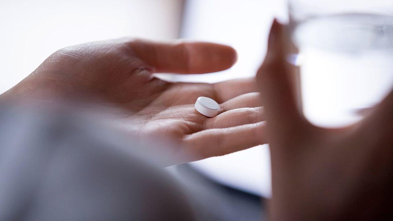 Covid : les personnes sous antidépresseurs développeraient moins de formes graves de la maladie - Les Échos