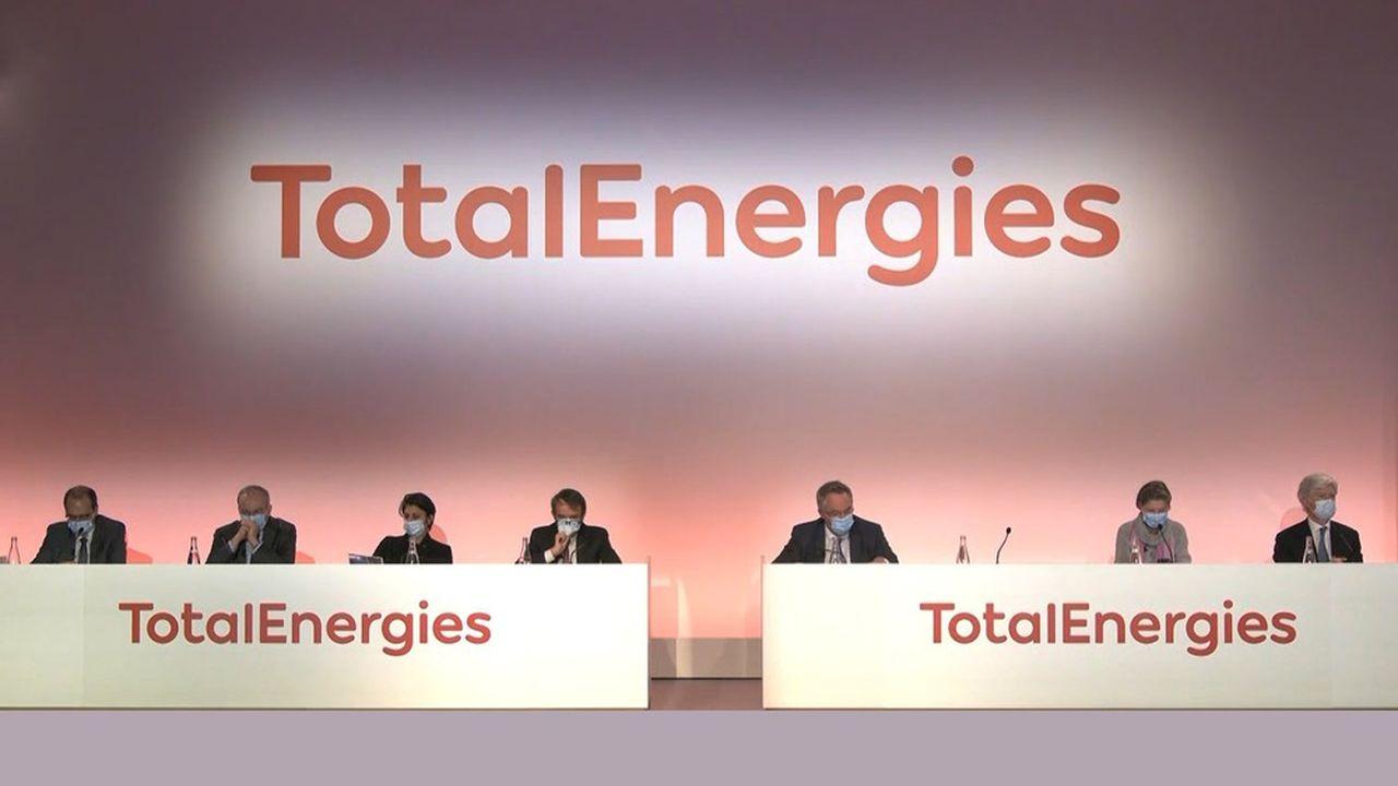 Total met en scène sa transformation en changeant de nom - Les Échos