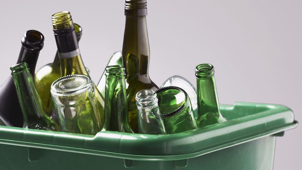 Le projet de loi Climat, présenté mercredi en Conseil des ministres, généralise l'obligation de la consigne du verre d'ici à 2025.