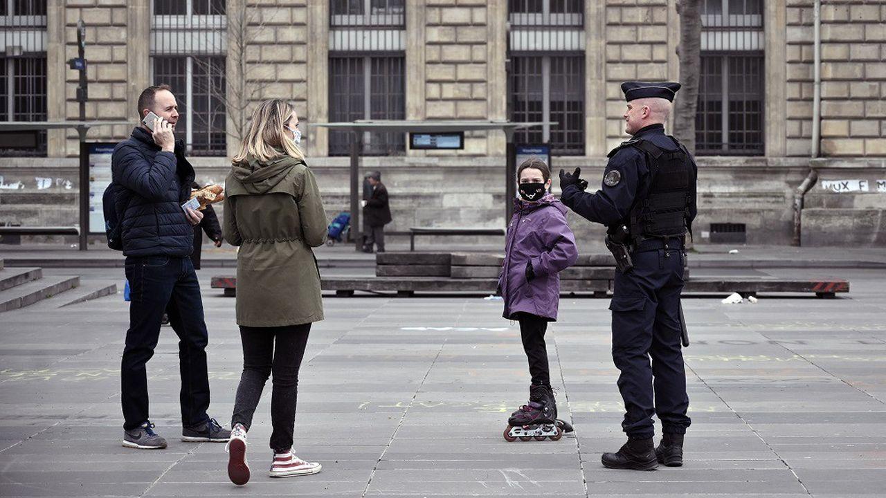 Covid : et si la France évitait un nouveau confinement ? - Les Échos