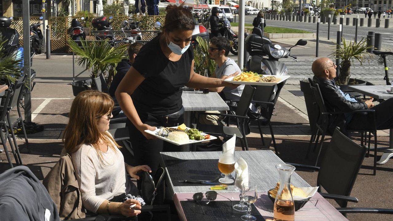 Les Français rêvent de retourner au restaurant - Les Échos