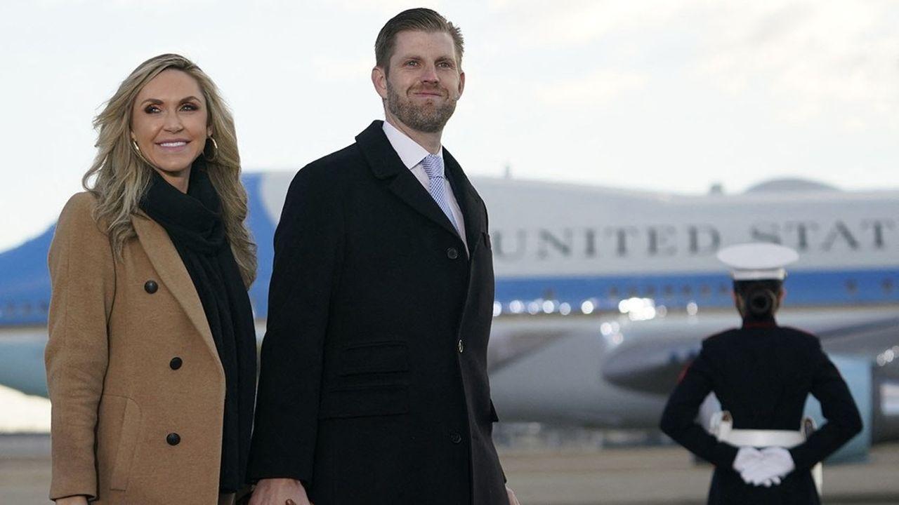 Eric Trump et son épouse Lara ont assisté, sur la base Andrews (Maryland), à côté de Washington DC, au départ le 20janvier 2021 du président Donald Trump pour sa résidence de Mar-a-Lago en Floride.