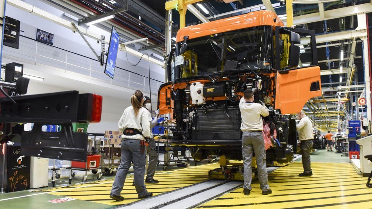 Dans l'usine de Scania, à Angers (Maine-et-Loire), le 15janvier 2021.