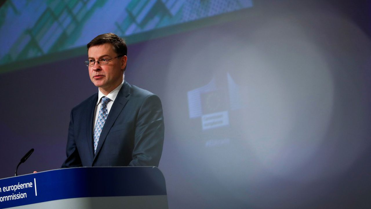 Valdis Dombrovskis, le chef de la politique commerciale européenne, lors de sa conférence de presse, jeudi.